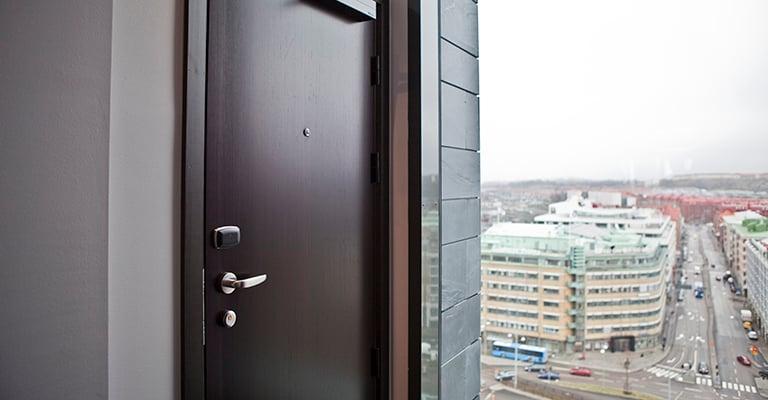 Adgangskontroll gir byggherre, sikkerhetssjef eller driftsleder bedre oversikt over hvem som har tilgang hvor.
